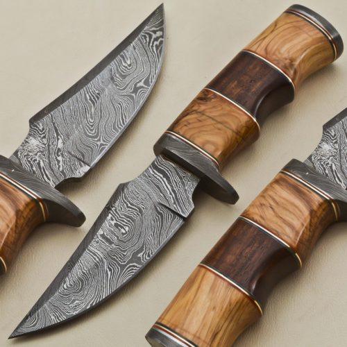 Hunting-Knife-Damascus-Guard-Wood-Handle