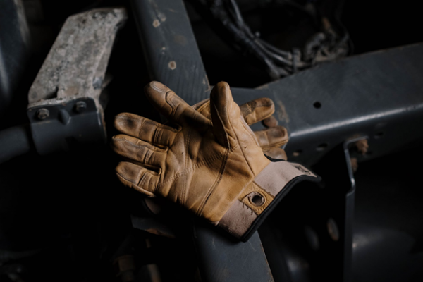 leather-motorcycle-gloves